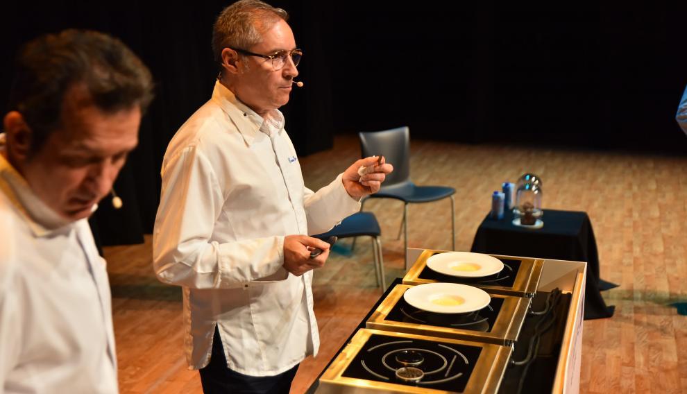 El chef Carmelo Bosque, en una ponencia del último Congreso Hecho en los Pirineos.