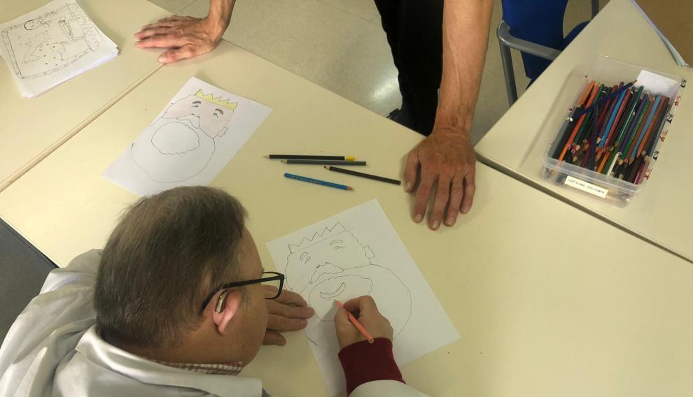 Varios usuarios del centro Vértice ponen a prueba su creatividad.