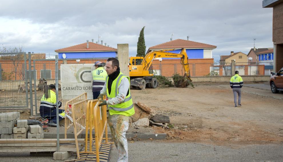 Trabajos del nuevo edificio en Cariñena.