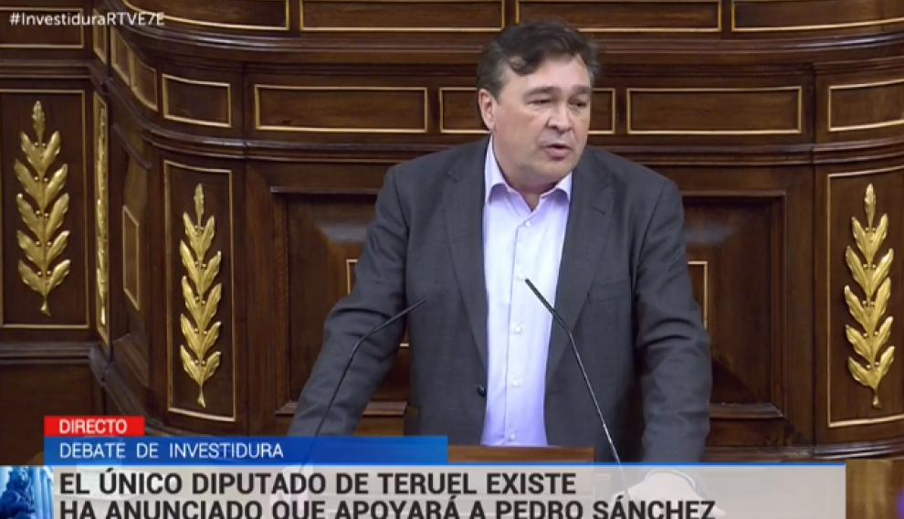 Tomás Guitarte de Teruel Existe en la tribuna de oradores