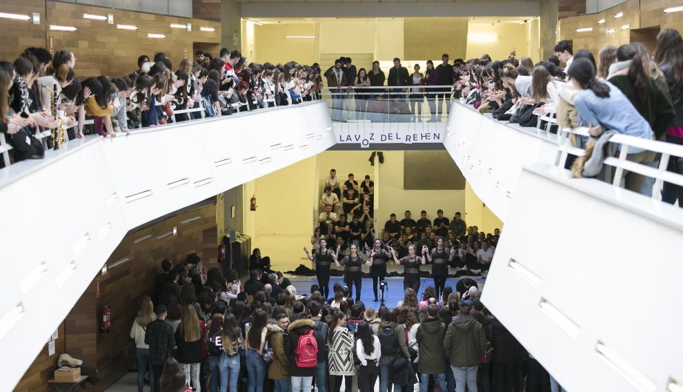 Los estudiantes de la Facultad de Educación se volcaron con sus compañeros y disfrutaron del espectáculo