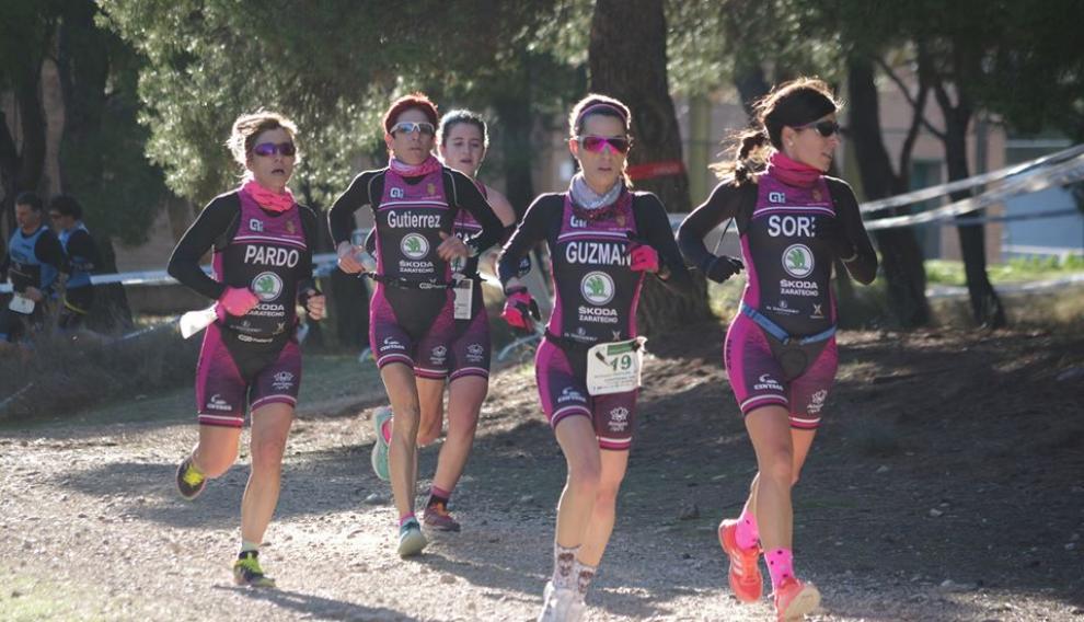 El equipo femenino de Octavus Triatlón–Skoda Zaratecno (Pardo, Soria, Guzmán, Gutierrez, Juste)