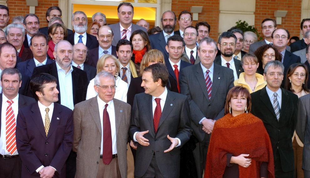 Borrell y Narbona, que era entonces ministra de Medio Ambiente, en un acto del Gobierno de Zapatero.