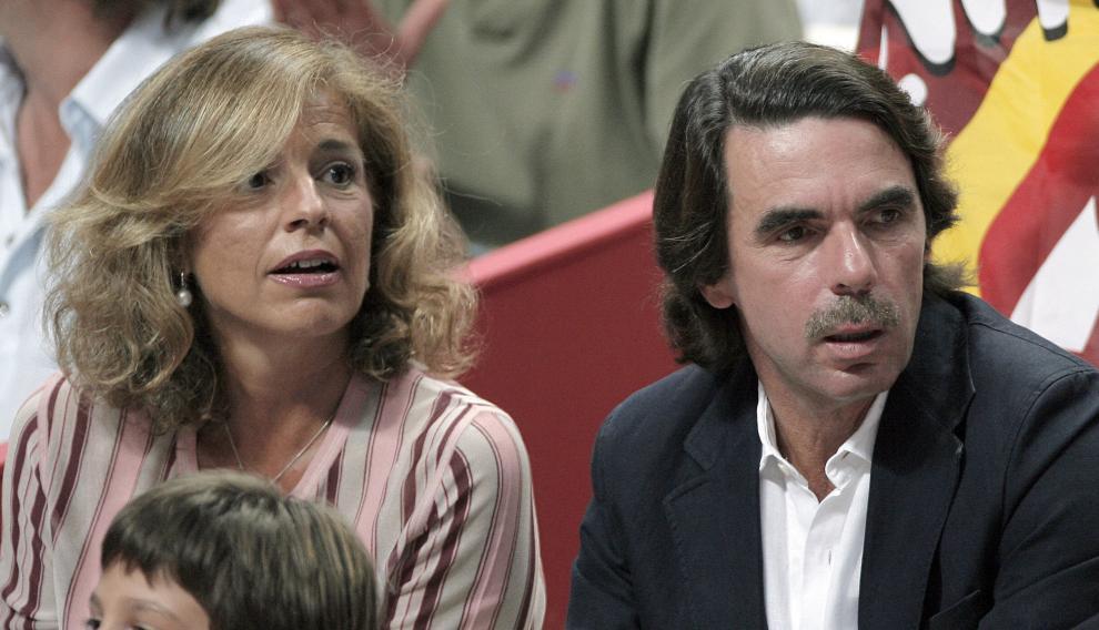 Botella y Aznar, en 2007.