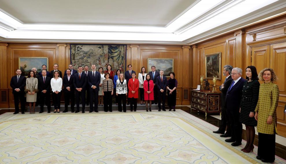 Meritxell Batet, en primer término a la derecha, en la toma de posesión del nuevo Gobierno, en el que está su pareja, el ministro de Justicia, Juan Carlos Campo.
