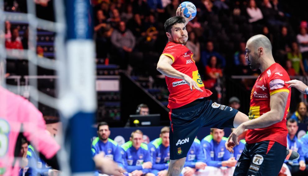 El jugador español Alex Dujusheba en plena acción en el partido de este viernes