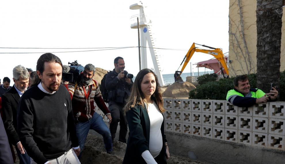 Pablo Iglesias durante su visita a las playas de Denia, una de las zonas más afectadas por el temporal Gloria