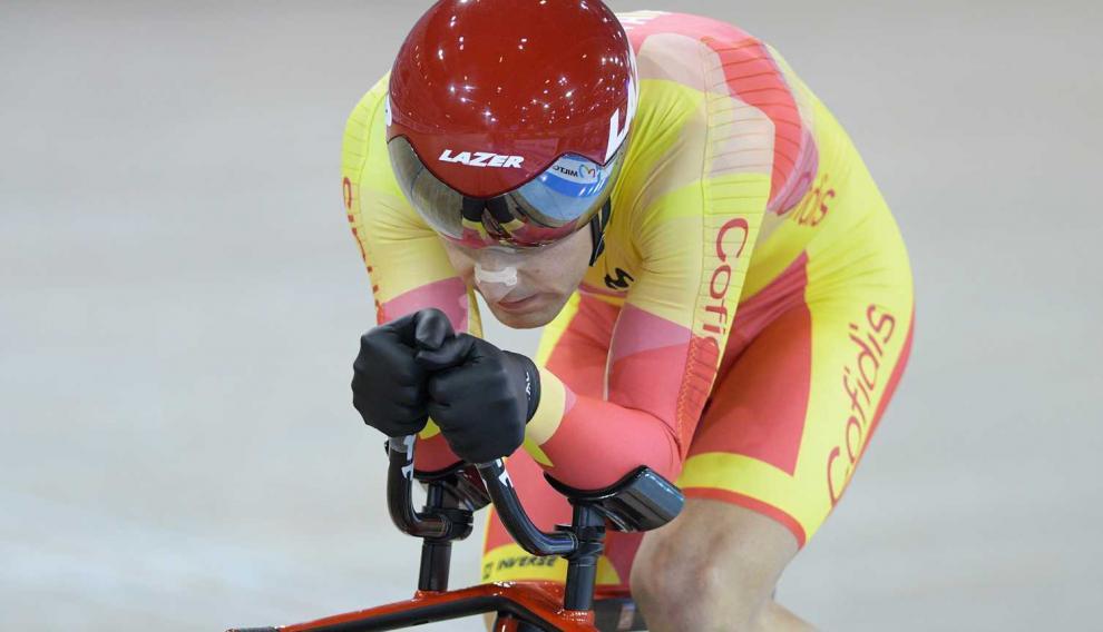 Eduardo Santas, en acción en la prueba de persecución 3 kilómetros C3 en el Mundial de Milton (Canadá)