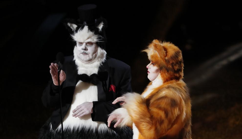 Corden y Wilson, de gatos.