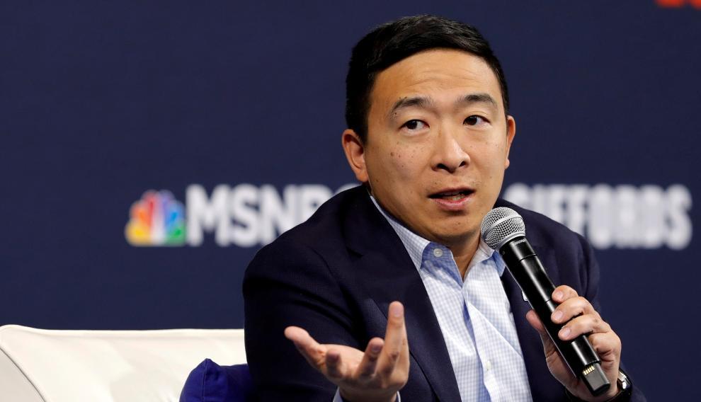 El empresario Andrew Yang se ha dado de baja en la carrera a la Casa Blanca