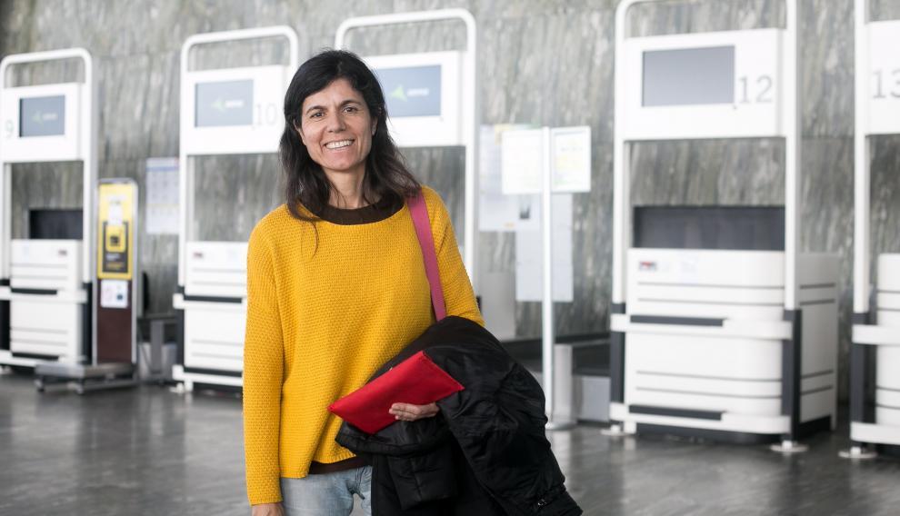 Carmen Critóbal viaja sola a Milán, tras la baja de su marido que ha decido no viajar por los casos de coronavirus.