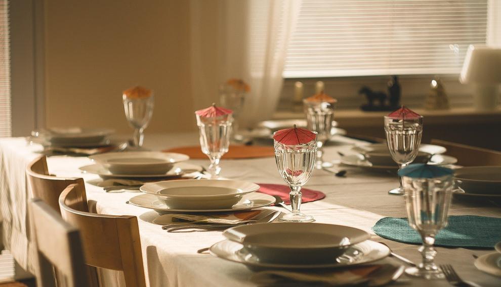 Los amigos y familiares podrán reunirse alrededor de una mesa para comer, cenar o tomar algo.