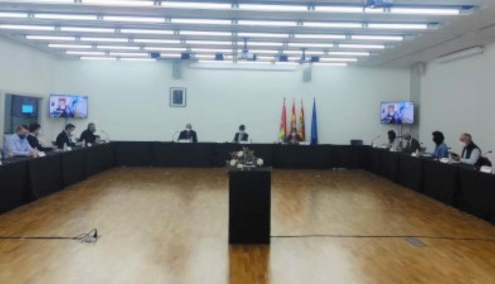 La mesa de Diálogo Social se ha celebrado en el Palacio de Congresos.