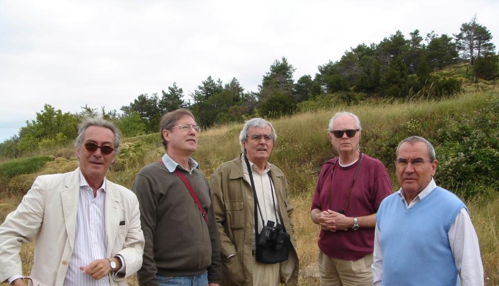 Ferrer Lerín con sus amigos:  Jacobo Cortines, Azúa, Javier Fernández de Castro, Ferrer Lerín y Alberto González Troyano en el Monte Oroel de Jaca, 2007.