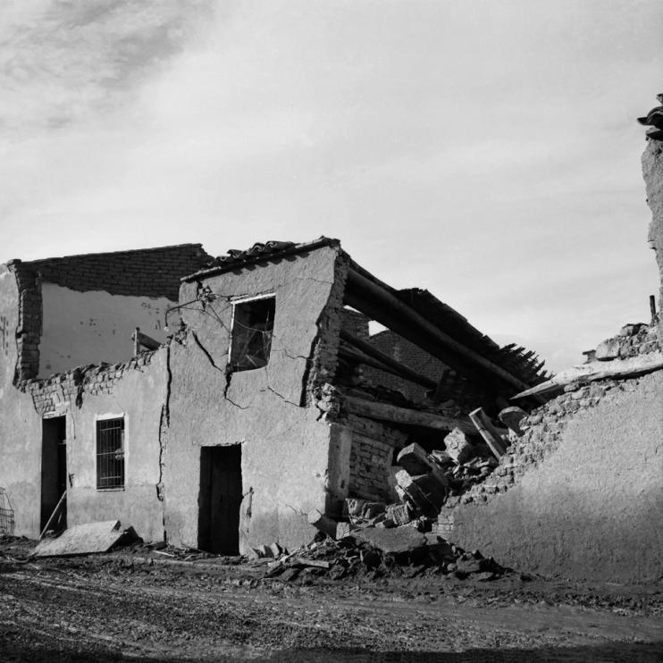 El agua causó graves incidencias en decenas de casas de Pradilla.