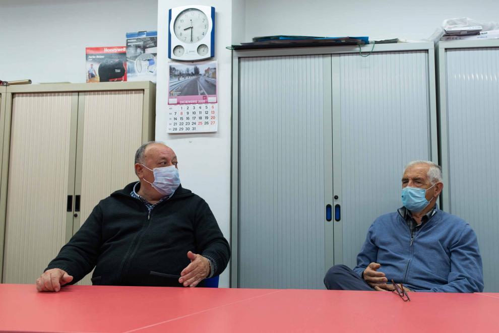 Luis Carcas y Jesús Cuartero, vecinos de Pradila, recuerdan la riada de 1961.