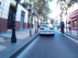 Adelantamiento a un ciclista en la calle de Don Jaime de Zaragoza.