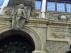 Detalle de la fachada de la antigua Escuela de Artes y Oficios de Zaragoza.