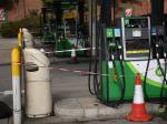 London (United Kingdom), 27/09/2021.- Out of use signs are displayed on fuel pumps in a Shell garage in Muswell Hill in London, Britain, 27 September 2021. A shortage of lorry drivers and panic buying has led to fuel shortages in forecourts and petrol stations across the UK. (Reino Unido, Londres) EFE/EPA/NEIL HALL  BRITAIN FUEL