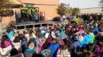 Celebración del Día de la Mujer en Sabiñánigo, con la canción 'Depende de los 2'.