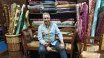 Miguel Ángel Lahoz en El Bancal, su tienda de la zaragozana calle de San Andrés