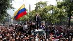 Guaidó abandona la base militar y se reúne con simpatizantes en Caracas.