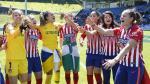 El Atlético de Madrid celebra el título de campeonas.
