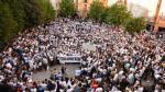 La Plaza de España de Caspe se llenó este jueves por la tarde durante la concentración en favor de Kamal.