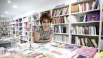 Ana Belén Casanova lleva las riendas de Central. A sus 28 años, es la librera más joven de Zaragoza