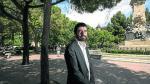 El candidato de IU a la Presidencia de la DGA, Álvaro Sanz, eligió fotografiarse en la plaza de Los Sitios de Zaragoza
