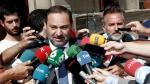 El ministro de Fomento, José Luis Ábalos, atiende a los medios a su llegada al acto de investidura de Chivite, en Navarra.