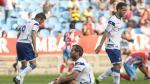 Barkero (en el suelo), Roger y Montañés, los tres puntas del Real Zaragoza ante el Lugo en 2013, en el primer enfrentamiento entre ambos equipos en la liga, con victoria por 0-1 de los gallegos en La Romareda.