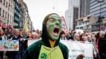 Una activista de Extinction Rebellion durante una manifestación por el clima en Bruselas.