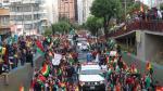 Cientos de bolivianos celebran la dimisión de Evo Morales.