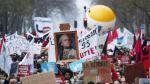 Manifestaciones en París en la huelga general convocada contra la reforma del sistema de pensiones.