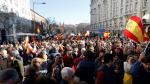 Manifestación celebrada a escasos metros del Congreso de los Diputados durante el transcurso del debate de investidura.