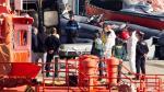 Traslado del cuerpo del patrón del barco hallado cerca de las costas de Tarifa