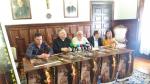 De izquierda a derecha, Javier Domingo, Antonio Gómez, Jesús jambrina, Julio Esteban y Jenny Monge, en el Obispado.