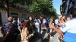 Filas para darse de alta como nuevo abonado de la SD Huesca. foto pablo segura  26 - 7 - 21