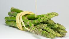 Verdes o blancos, los espárragos son una verdura deliciosa.