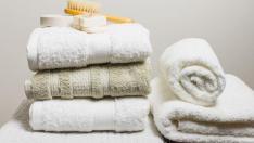 Las toallas pueden mantener su suavidad si se lavan correctamente.