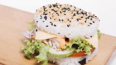 Hamburguesa de arroz y salmón