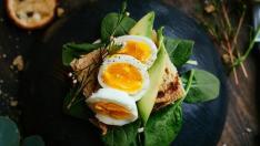 Huevos y aguacate