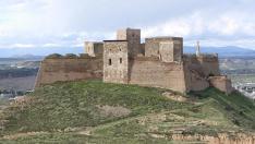 Vista del castillo de Monzón.
