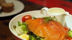 Ensalada de salmón y aguacate.
