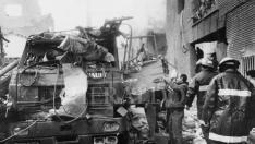 Atentado de ETA con un coche bomba contra la casa cuartel de la Guardia Civil en la avenida Cataluña de Zaragoza el 11 de diciembre de 1987.
