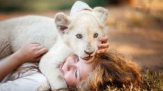 Fotograma de 'Mia y el león blanco'