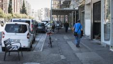 Los vecinos reclaman mejoras en las aceras de la avenida de Navarra