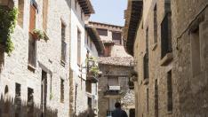 Incluida en el listado de Los Pueblos más Bonitos de España, esta localidad del Maestrazgo limítrofe con la Comunidad Valenciana está empezando a sacar partido a su nueva condición estética.