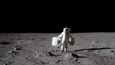 "FILE PHOTO: Apollo 11 lunar module pilot Buzz Aldrin carries equipment for the Passive Seismic Experiments (in his left hand) and the Laser Ranging Retroreflector (in his right) to the deployment area at Tranquility Base in the Sea of Tranquility on the moon, July 20, 1969.  Neil Armstrong/NASA/Handout via REUTERS/File Photo   ATTENTION EDITORS - THIS IMAGE HAS BEEN SUPPLIED BY A THIRD PARTY.    PLEASE SEARCH ""50TH ANNIVERSARY OF THE MOON LANDING"" FOR ALL PICTURES [[[REUTERS VOCENTO]]] SPACE-EXPLORATION/"